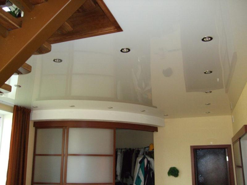 цветные натяжные потолки на мансарде фото конфуция была бурная